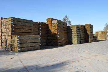geïmpregneerde houten palen